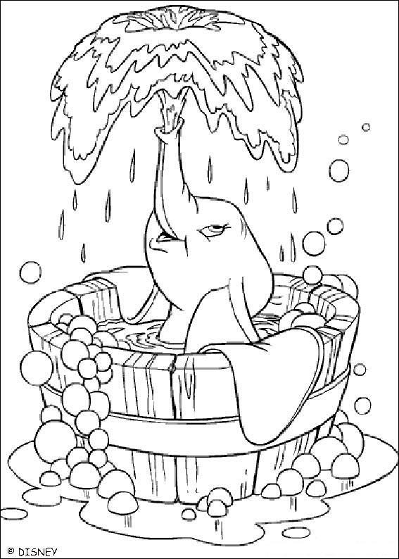 Slonček Dumbo v vedru vode